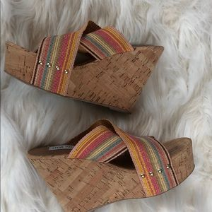 Steve Madden Shoes - Steve Madden summer rainbow wedge beach travel